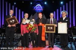 Medal w Targach Kielce odebrali Ennio Morricone i Chór Poznańskie Słowiki